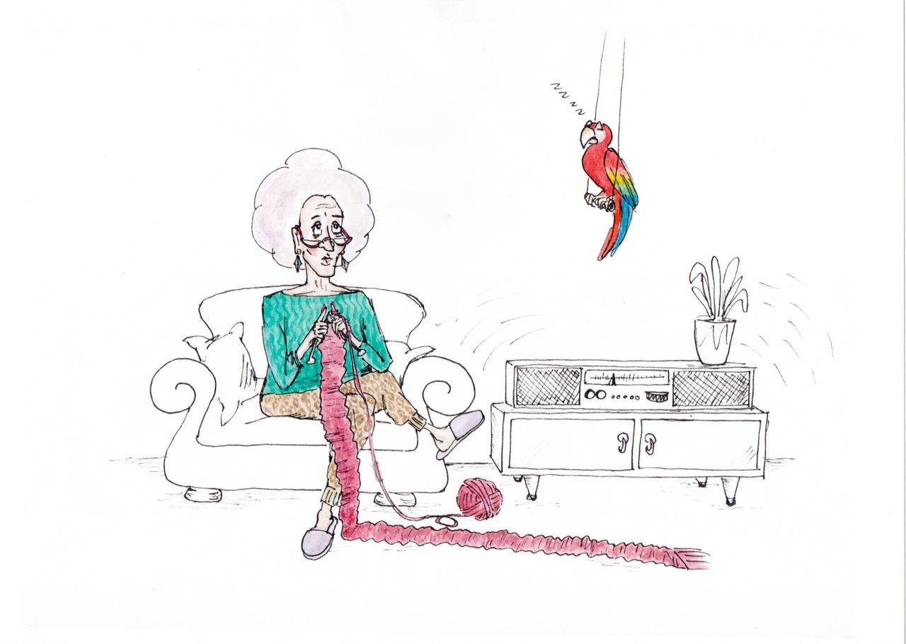 Frau sitzt gelangweilt auf Sofa